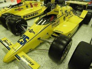 1024px- Indy500 winningcar1987.121558